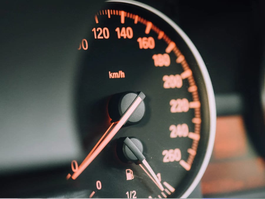 Tachometr auta prodej auta po dopravní nehodě